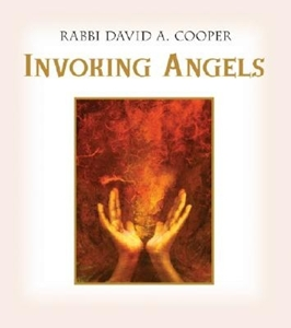 Bild på Invoking Angels: For Blessings, Protection, and Healing [With CD Audio]