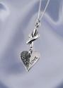 Bild på Kärleksknuten med hjärtat One Love