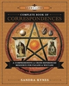 Bild på Llewellyn's Complete Book of Correspondences: A Comprehensive & Cross-Referenced Resource for Pagans & Wiccans